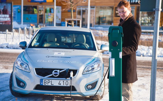 Volvo C30 Electric sa novim Ericsson električnim punjačem
