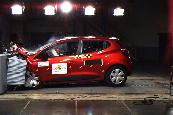 Renault Clio zaradio 5 zvezdica na EuroNCAP