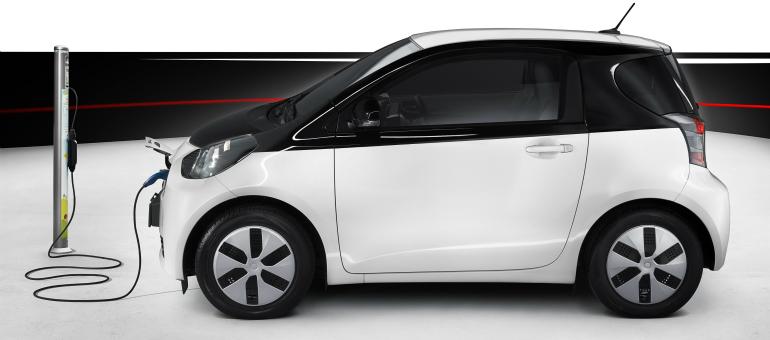 Toyota iQ EV hibrid