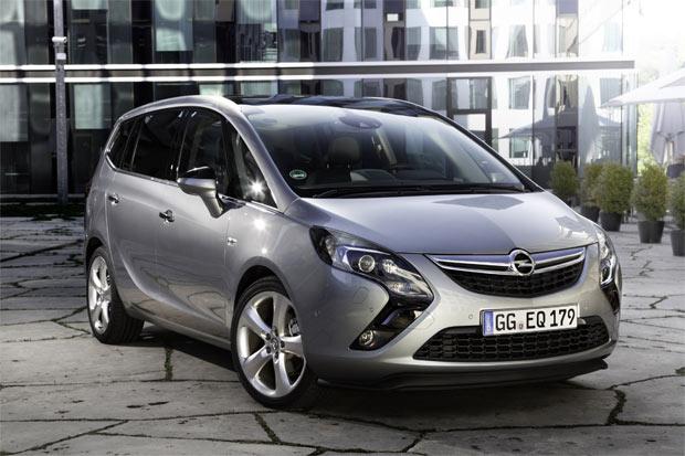 "Opel Zafira Tourer osvojila nagradu ""Zlatni volan 2012"""