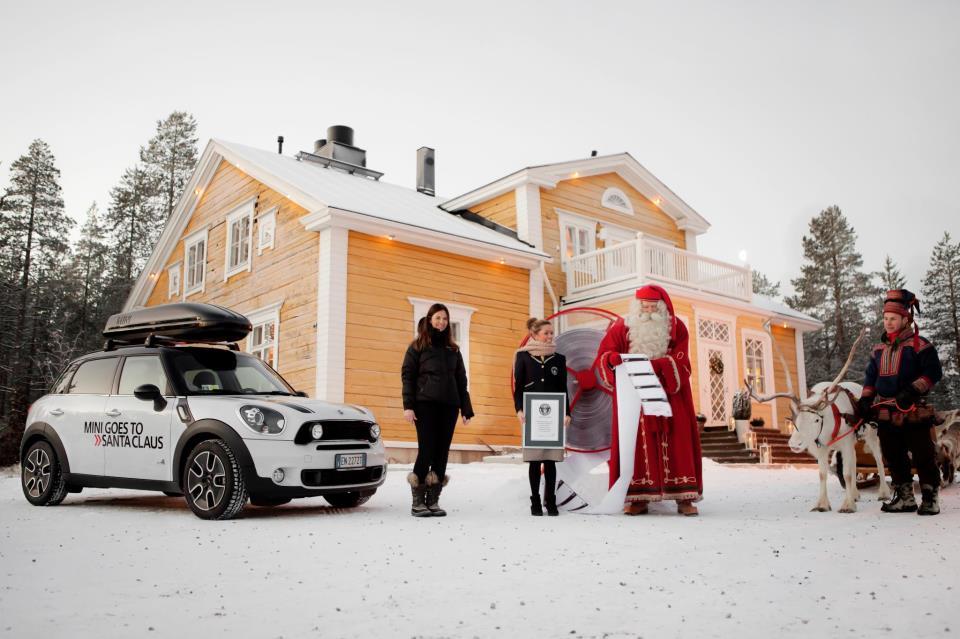 MINI Ginisov rekord za Deda Mraza