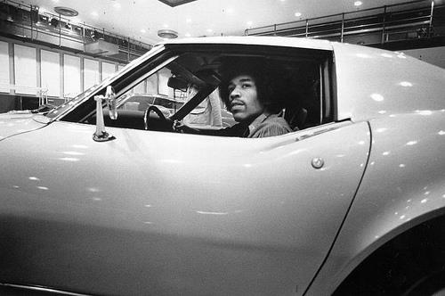 Jimi Hendrix i Corvette Stingray iz 1968.