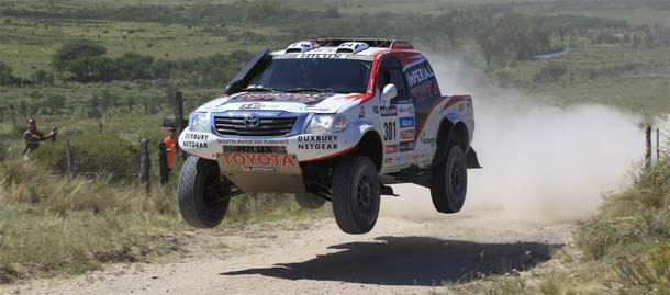Toyotini vozači drugi na Dakar reliju