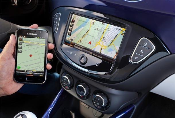 Opel ADAM i integrisani Siri Eyes Free za sve korisnike iPhone-a
