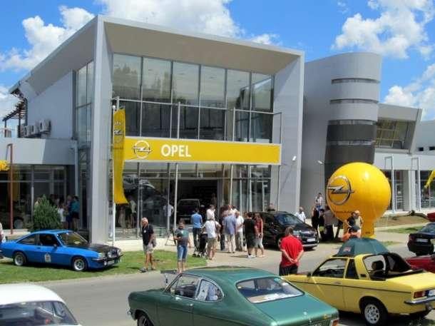 Opel karavan u Novom Sadu