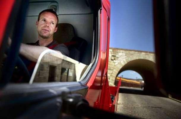 """U novom filmu kompanije Volvo Trucks """"The Chase"""" kamion Volvo FL"""