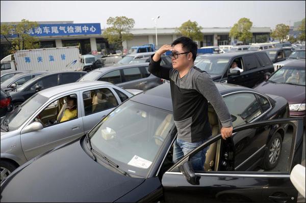 Još jedan kineski grad ograničio kupovinu automobila