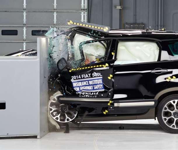 Opoziv 29.500 FIAT-a 500L zbog greške otkrivene na crash testu