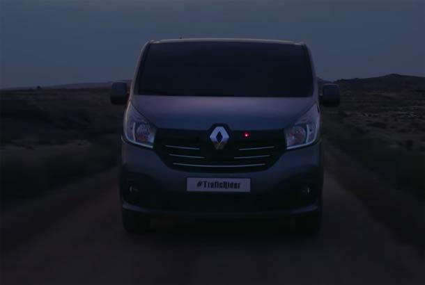 """Novi Renault Trafic """"Knight Rider"""""""