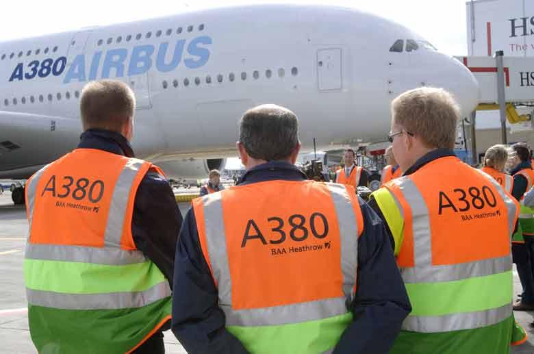 Airbus A380 na aerodromu Hitrou