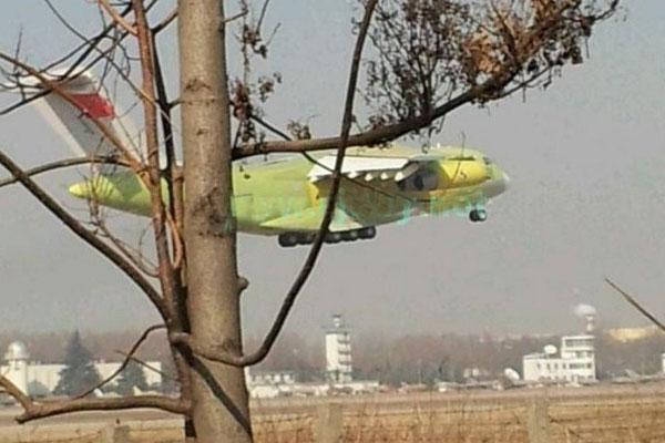 Uspešno obavljeno testiranje leta velikog transportnog aviona Y-20 u Kini