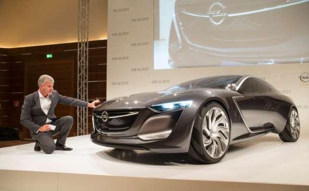 Koncept Opel Monza u centru pažnje na skupu posvećenom budućnosti automobila
