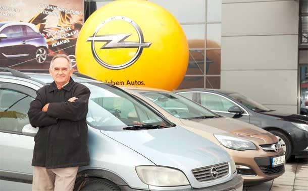 Nagrada za Mirka Vujinovića koji je svojom Opel Zafirom prešao preko milion kilometara