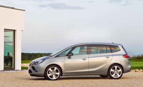 Opel Zafira Tourer: Moćni kompaktni van sada sa IntelliLink-om