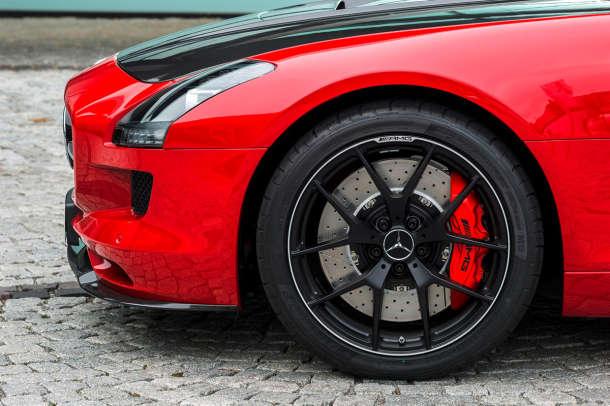 Mercedes SLS AMG GT FINAL EDITION opremljen pneumaticima Dunlop Sport Maxx Race