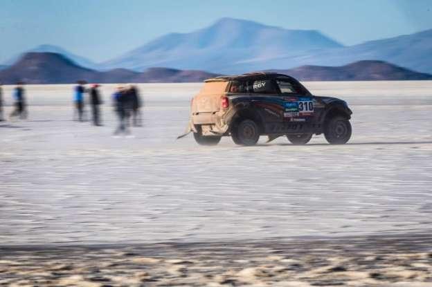 2015 Dakar Rally: MINi i dalje u ubedljivom vođstvu!